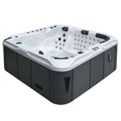The Felicity Hot Tub